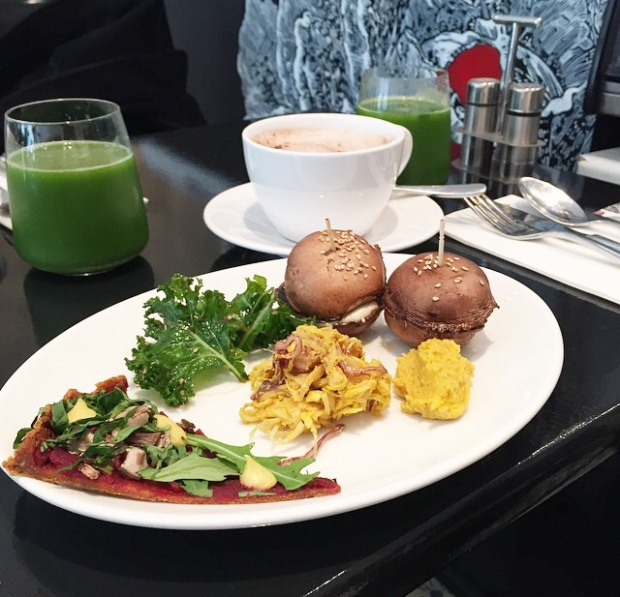 raw vegan food in paris